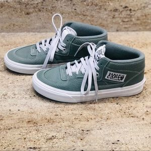 VANS HALF CAB LIMITED EDITION SNEAKERS